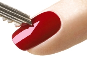 XXL LacLine, the 100 % scratch-proof, high-gloss nail polish innovation