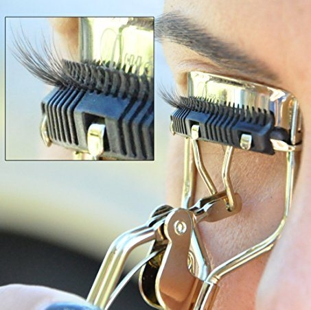 9514e3a0347 Eyelash Curler with Built-In Comb