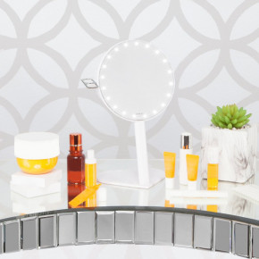 RIKI GRACEFUL 7X Magnifying Mirror with LED lighting and three-stage dimming, a new product in the Glamcor edition